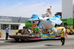 santa parade 3
