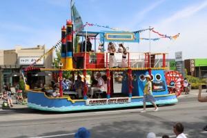 santa parade 4