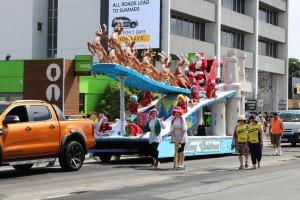 santa parade 6